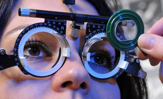 Eye test image